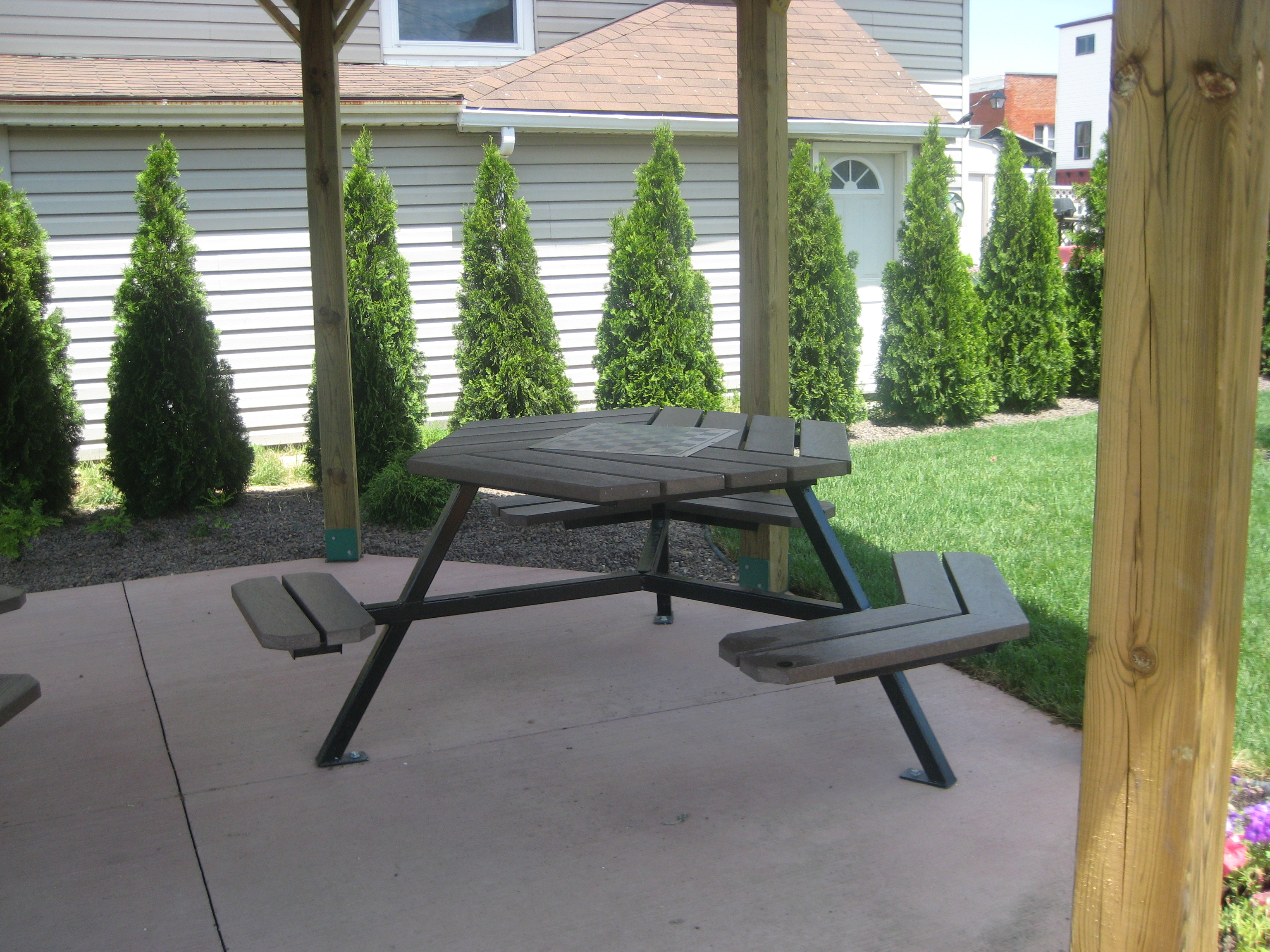 Few companies in Canada design outdoor spaces & benches for accessibility. OPC Ergo approves!